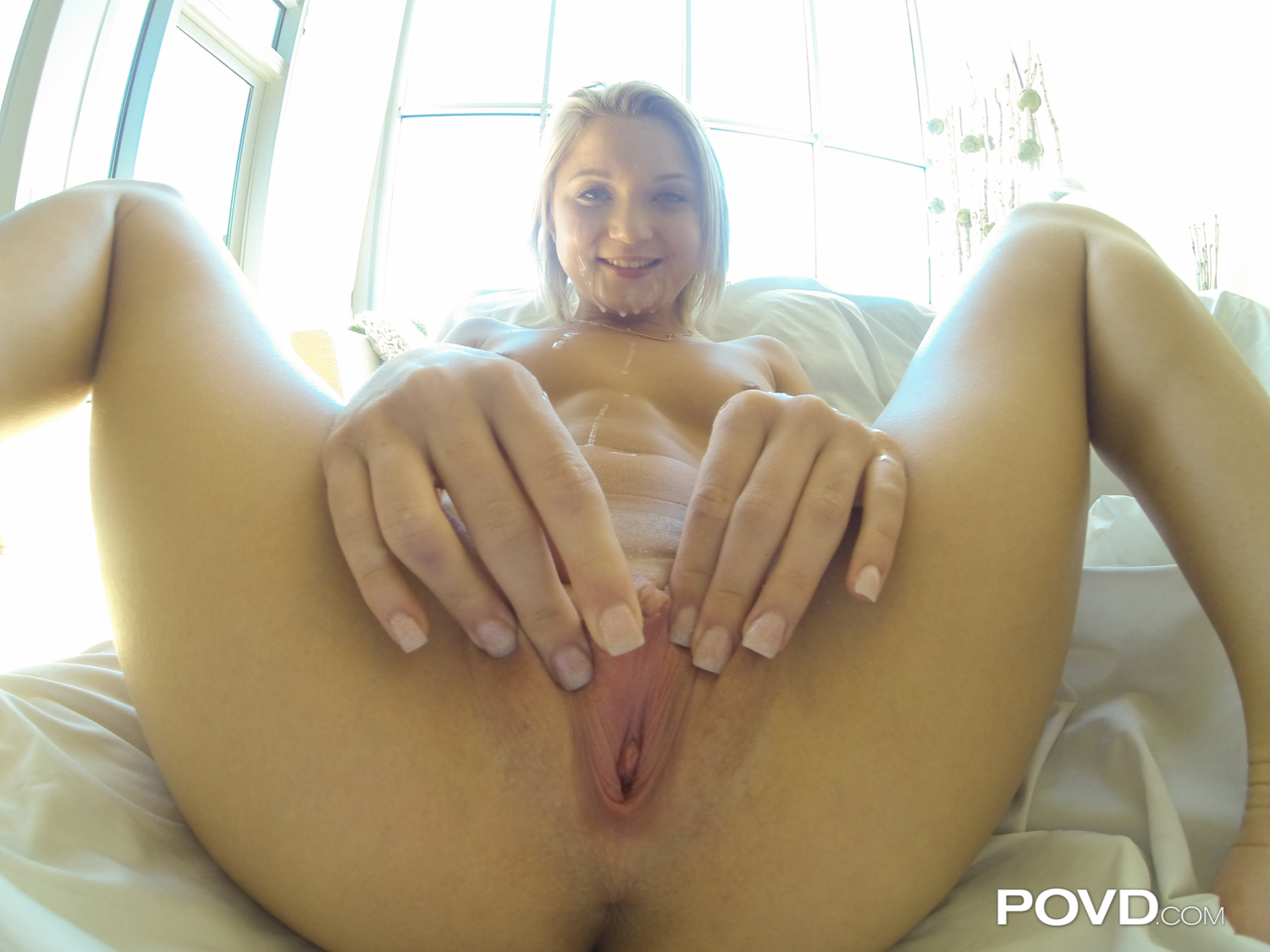 Curvy blondie sure knows how to suck cock 2