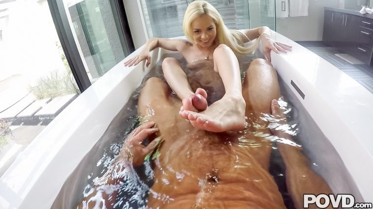 Povd Elsa Jean in Bath for Two 37